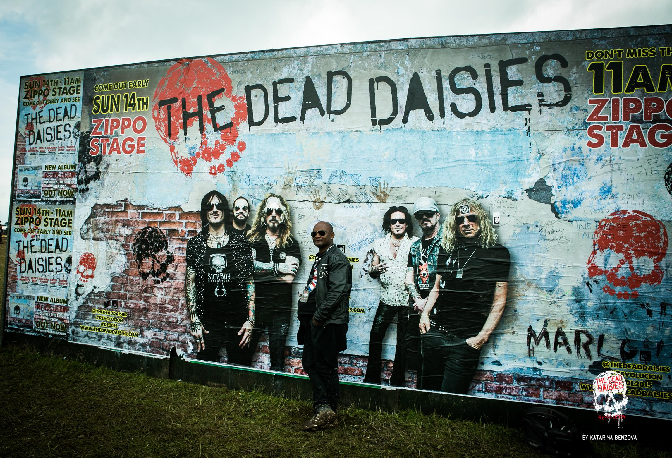 Interactive graffiti wall uk - Full Gallery Http Thedeaddaisies Com Download Festival Uk Dekithe Daisies Interactive Wall